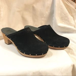 Ugg Studded, Suede Clogs, Size 8